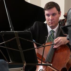 Cellist Kevin Bate